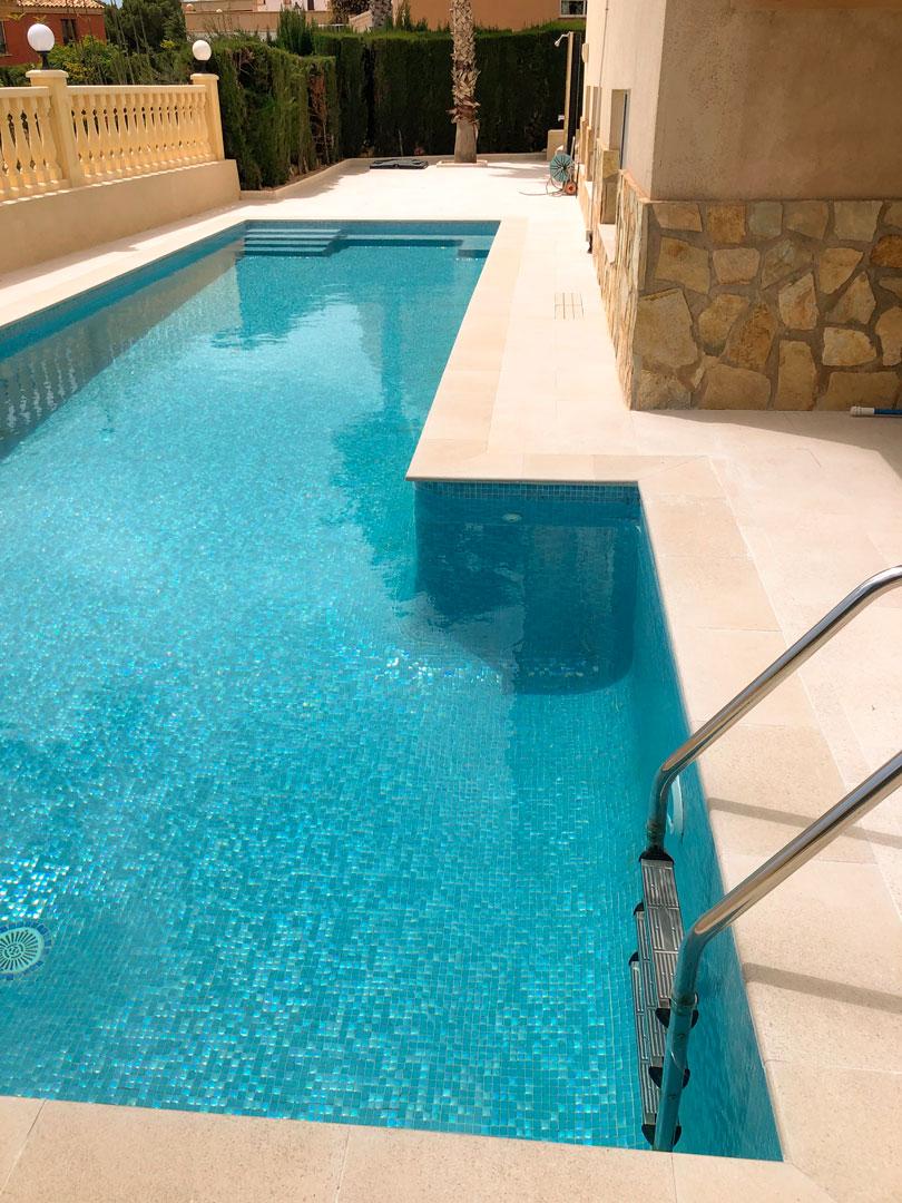 tiled edge for swimming pool